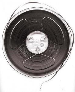 1970年代まで使用されていた6mmのオープンリール(wikimedia)。